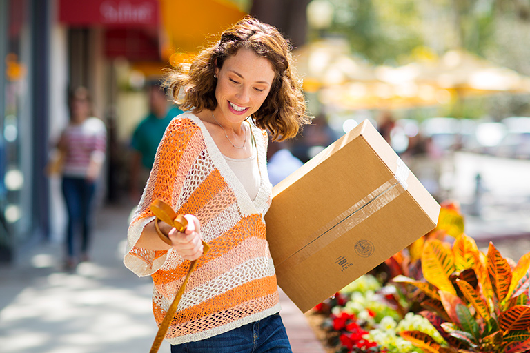 A lady with a package - Intra-Regional Exports And The Digital Economy